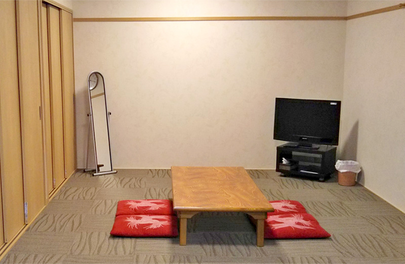 宿泊室(床暖房完備)